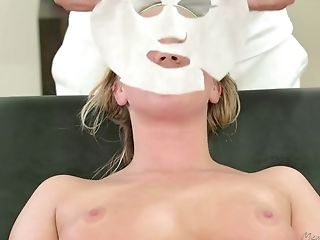 Youthfull Customer Bailey Brooke Gets Messy Facial Cumshot After Cootchie Rubdown Session