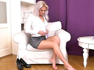 Bosomy Sexy Blonde Mummy Kathy Anderson Is All Alone And She Goes Solo