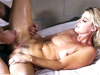 Youthful Spectacular Dude Is Dating Supah Sexy Matures Prisoner India Summer