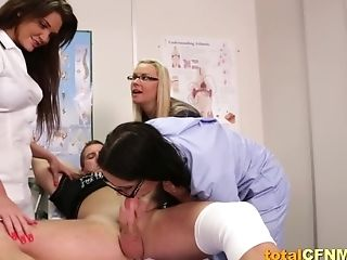Three Nurses Suck A Meatpipe