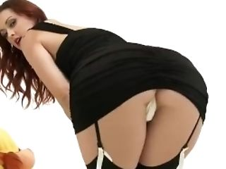Vixencam.com - This Bitch Is Back And Sexier Than Before!