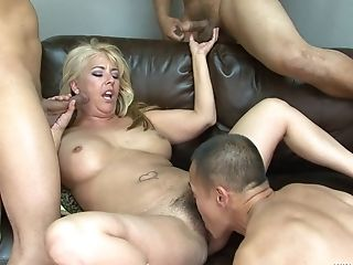 Trimmed Poon Blonde Joclyn Stone Spreads Her Gams To Be Fucked