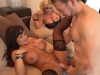 Phoenix Marie Lisa Ann In Threesome Actoin