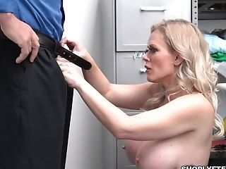 Hot Cougar Casca Akashova Disciplined And Her Snatch Is Getting Romped