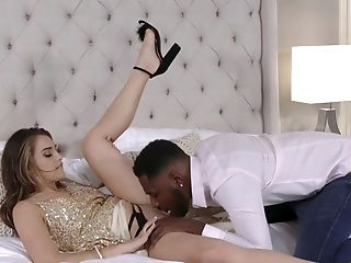 Sultry Beauty Makes Love With Her Fresh Black Bf