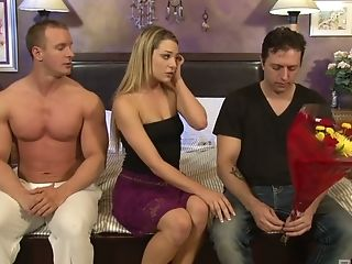 Versatile Light Haired Hoe Bailey Blue Wanks One Dick While Railing The Other