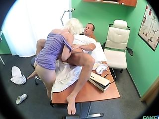 Spy Camera At The Doctors Office Records Fleshy Hook-up With Patient