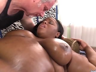 Supah Service Masseuse Gives Black Bbw Olivia Leigh Orgasms With Fucky-fucky Fucktoys
