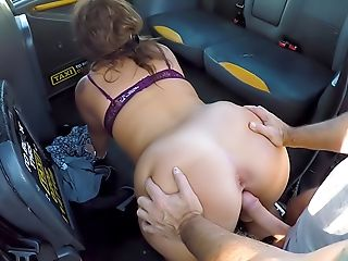 Big Sexy Spanish Butt Bounces In Cab