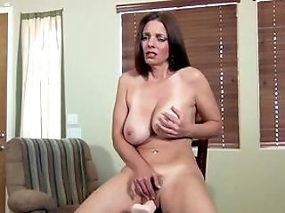 Inventive Mummy Mindi Mink Uses A Fuck Machine On Her Hairy Cunt