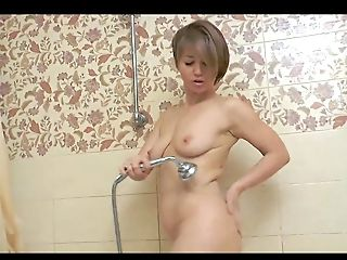 Matures Russian, Takes Bath