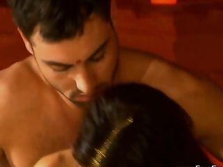 Erotic Rubdown And Joy In India