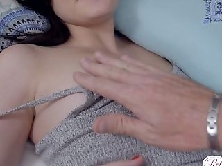 Nasty Stepsister Jessica Rex Wakes Up And Loves Having Dirty Bang-out With Her Step Bro