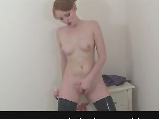 Solo Gal Roxana Loves Nothing More Than Fumbling Her Raw Vagina