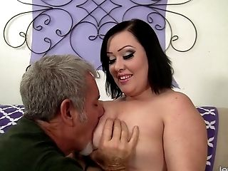 Sexy And Hot Bbw Bunny De La Cruz Gets Fucked