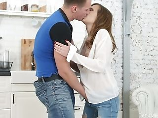 Russian Female Stasya Stoune Gets Her Honeypot Creampied On The First-ever Date