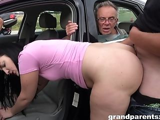 Hot Chick Pleases Older Man With Dt Then Fucks With Him