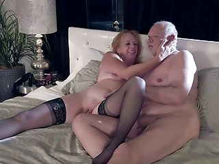 Matures Chubby Promiscuous Housewife Marlene Riggs Gives Fairly A Solid Oral Pleasure