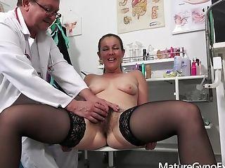 Gynecology Check-up Vid With Insane Mummy Valentina Ross