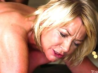 Youthfull Hormy Massagist Fucks Faux Tittied Cougar With Obese Backside Amy