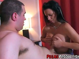 Torrid Black Head Peaches Gold Makes Her Big Baps Bounce As She Rails Dick