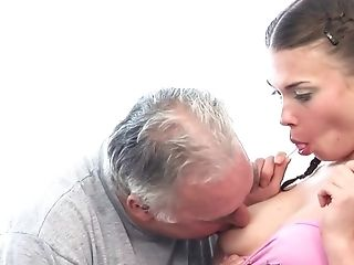 Ponytailed Sweet Tooth Welcomes Old Friend's Pecker In Cock-squeezing Asshole
