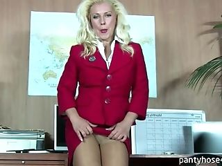 Big Mummy Light-haired Hair Lady Gets Arousing In Office