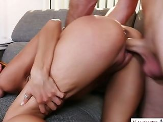 Sexy Looking Suntanned Honey Heather Vahn Gives Such An Awesome Bj