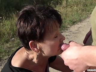 Gonzo Outdoor Oral Pleasure From Matures Dark-haired Cougar In A Sundress