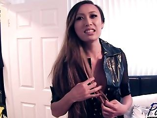 Venus Lux Behind-the-scenes Interview