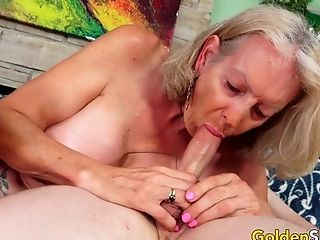 Gilf Supah Sexy Delights A Junior Paramour With Her Mouth And Older Cooter