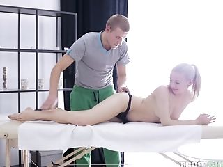 Teenager Blonde Vixen Cloe Rails A Hard Weenie And Gets A Jism Shot