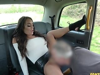 Point Of View Vid Of A Cab Driver Wedging Moist Labia Of Christina May
