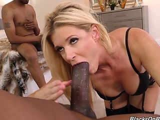 Blonde India Summer Likes To Shriek While Two Black Guys Fuck Her