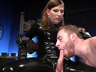 Shemale In Spandex Gets Dt From Gimp